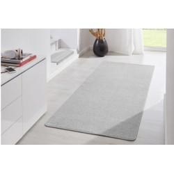 Popielaty dywan do przedszkola